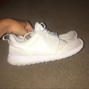 Woman Nike Roshes